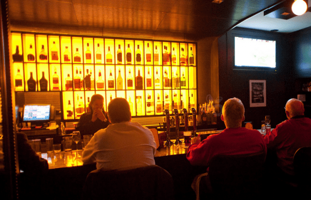 0102-bar